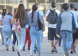 Στις 9 προτείνεται να ξεκινούν τα μαθήματα σε Γυμνάσια και Λύκεια από τη νέα χρονιά
