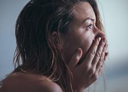 «Μιλήστε!»: H συμβουλή ενός μπαμπά που έχασε την γυναίκα του από την επιλόχειο κατάθλιψη