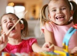 4 αποτελεσματικοί τρόποι για να απασχολείτε τα παιδιά τις ώρες κοινής ησυχίας