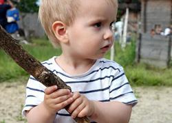 «Το παιδί μου χτυπάει τα άλλα παιδιά»: Πώς να διαχειριστείτε ένα επιθετικό παιδί