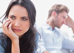 7 συμπεριφορές του συντρόφου σας που σας υποτιμούν