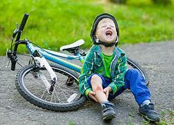 «Μαμά τρέχει αίμα!»: Τι πρέπει να κάνετε όταν χτυπάει το παιδί