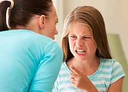 Γιατί τα παιδιά συμπεριφέρονται σαν να  «φταίει για όλα η μαμά»;