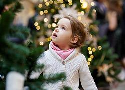 «Μαμά, θέλω να στολίσουμε»: Πώς απέφυγα το χριστουγεννιάτικο δέντρο από τον Οκτώβρη