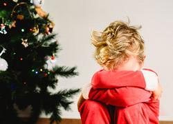 Τα Χριστούγεννα ενθουσιάζουν αλλά και κουράζουν τα παιδιά. Ας δείξουμε κατανόηση...