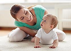 Όλα όσα μπορεί να κάνει ένα μωρό 3 μηνών και πώς να βοηθήσετε την ανάπτυξή του