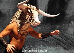 Κερδίστε διπλές προσκλήσεις για την παράσταση «Θησέας και Μινώταυρος» της Κάρμεν Ρουγγέρη στις 24/11
