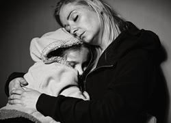 Οι πιο σκληρές αλήθειες της μητρότητας