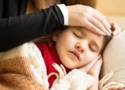 Επιτροπή Λοιμώξεων «Αγίας Σοφίας»: Πότε η γρίπη είναι επικίνδυνη και πρέπει να κάνουμε το test