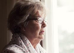 5 τροφές που σας βοηθούν να προλάβετε τη νόσο του Αλτσχάιμερ