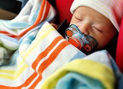 Τα μικρά παιδιά κοιμούνται καλύτερα στο αυτοκίνητο!