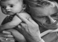 Ο τυφλός γιατρός που ξεγέννησε 4 χιλιάδες μωρά και τον φώναζαν «ο μεγαλόκαρδος»!