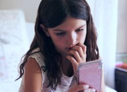 Μια γυναίκα που ξεσκεπάζει παιδόφιλους στο διαδίκτυο λέει τι πρέπει να προσέχουμε