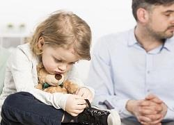 Αλλάζει ο νόμος για τα παιδιά χωρισμένων γονιών - κοινή επιμέλεια από το φθινόπωρο