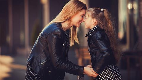 Όσο μεγαλώνει η κόρη μου τόσο πιο πολύ μοιάζουμε!