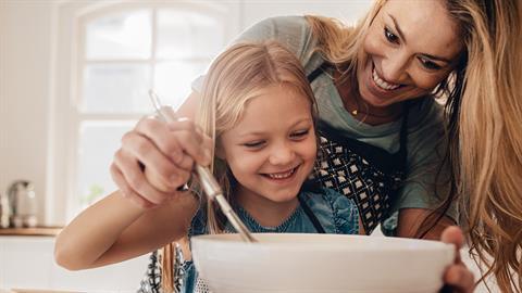 Πώς να ενθαρρύνετε τα παιδιά να αγαπήσουν την μαγειρική!