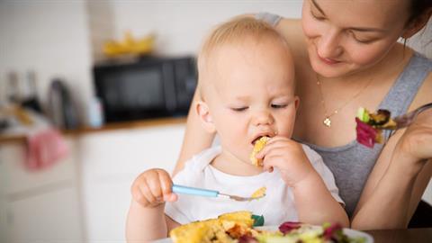 Τα 3 θρεπτικά συστατικά που ίσως λείπουν απ' το μωρό σας και πώς θα τα αναπληρώσετε