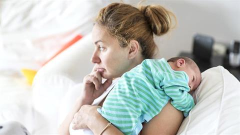 Χαρείτε με το νεογέννητο, ασχοληθείτε όμως και με τη μαμά - το έχει ανάγκη!