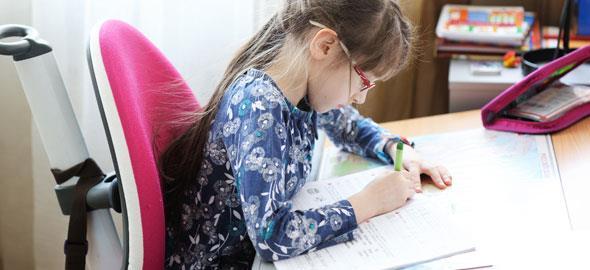 Πώς να βοηθήσετε το παιδί με την επανάληψη πριν τις εξετάσεις