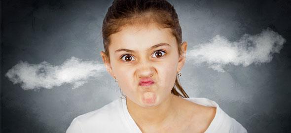 7 πράγματα που δεν πρέπει να κάνετε όταν το παιδί είναι θυμωμένο