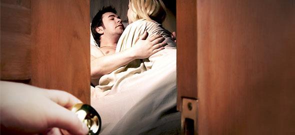 «Γιατί απάτησα τη γυναίκα μου»: 8 άντρες εξομολογούνται