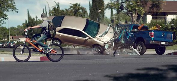 Το σοκαριστικό βίντεο-καμπάνια για την απρόσεκτη οδήγηση θα σας αφήσει άφωνους