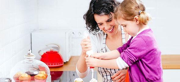8 δραστηριότητες που θα σας φέρουν πιο κοντά με την κόρη σας