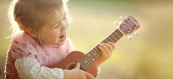10 τραγούδια που θα ξετρελάνουν τα παιδιά (χωρίς να είναι παιδικά)!