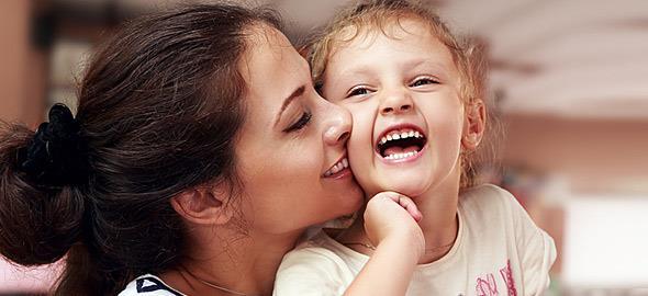 «Όσο πιο νέα κάνεις παιδιά, τόσο πιο πολύ χρόνο θα περάσεις μαζί τους!»