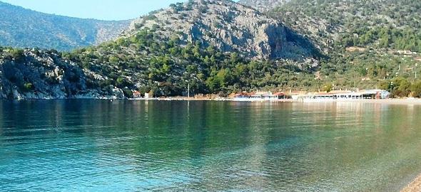 5 πεντακάθαρες παραλίες κοντά στην Αθήνα για να πάτε με τα παιδιά