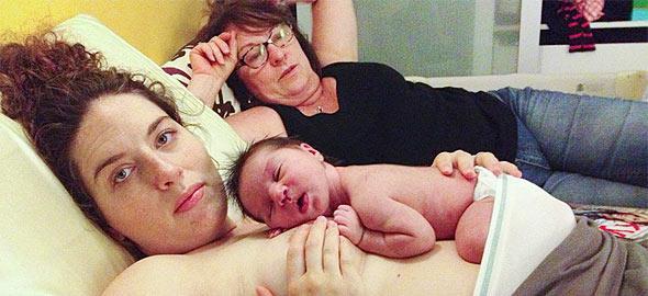 H ωμή (αλλά όμορφη) πραγματικότητα των δύο πρώτων χρόνων της μητρότητας