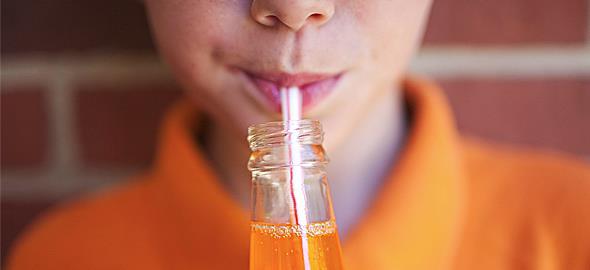 Πώς τα αναψυκτικά βλάπτουν την υγεία των παιδιών!