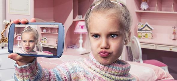 8 κανόνες που πρέπει να ακολουθεί κάθε παιδί με δικό του κινητό