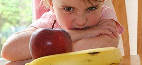 Η κόρη μου δεν τρώει φρούτα. Πώς θα αναπληρώσει τις βιταμίνες που χρειάζεται;