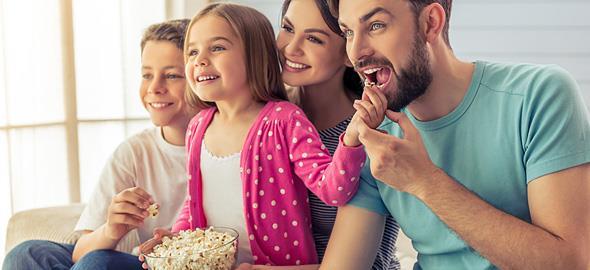 Σινεμά στο σπίτι: Πώς να οργανώσετε την τέλεια οικογενειακή βραδιά!