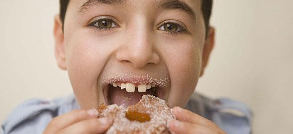 Πώς να μειώσετε τη ζάχαρη στη διατροφή του παιδιού
