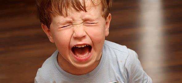 Οι μαγικές φράσεις που θα ηρεμήσουν το παιδί όταν θυμώνει