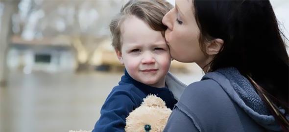 Πώς να χειριστώ το γεγονός ότι θα αποχωριστώ τον γιο μου για αρκετό καιρό λόγω επαγγελματικών υποχρεώσεων;