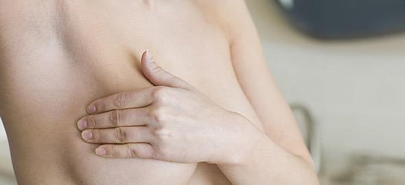 Πόνος στο στήθος: 8 αθώες αλλά «ένοχες» αιτίες
