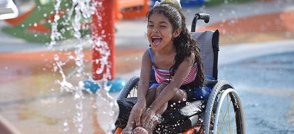 Το πρώτο water park για άτομα με αναπηρία είναι το καλύτερο νέο της ημέρας!