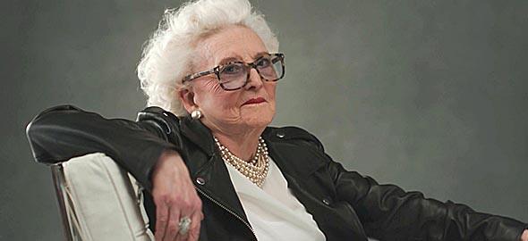 Ηλικιωμένες γυναίκες δίνουν συμβουλές ζωής στον νεότερο εαυτό τους