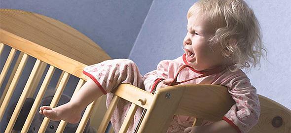 Η 2,5 ετών κόρη μου ξυπνάει με κλάματα κάθε βράδυ. Μήπως φταίει το καινούριο μωρό;