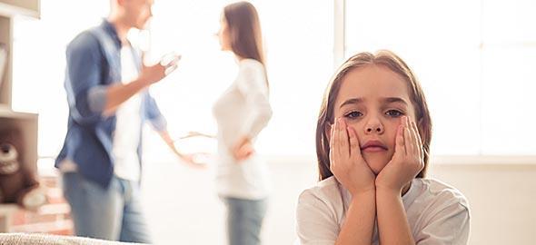 Με τον άντρα μου δεν τα πηγαίνουμε καλά και αυτό έχει επίπτωση στα παιδιά μας. Νιώθω ότι παλεύω με τα κύματα…