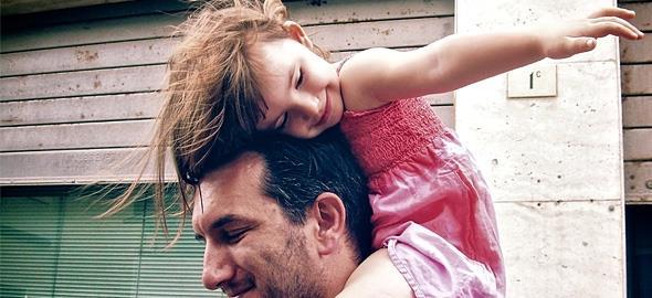 «Είστε δύο, μην το θεωρήσετε ποτέ δεδομένο!»: Ένας μπαμπάς που έχει πάρει διαζύγιο συμβουλεύει