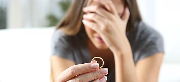 Από τότε που παντρευτήκαμε και μένουμε μαζί με τον άντρα μου, νιώθω ότι δοκιμάζεται η σχέση μας. Είναι φυσιολογικό;