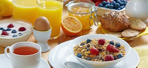 Τι τρώει ένας διατροφολόγος για πρωινό: 10 θρεπτικές ιδέες