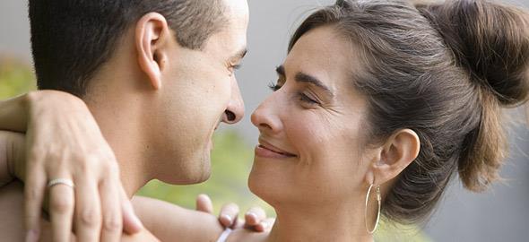 Dating βλέποντας κάποιον διαφορά