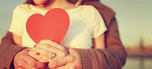 20 + 1 τρόποι να κάνετε τον σύντροφό σας να χαμογελάσει