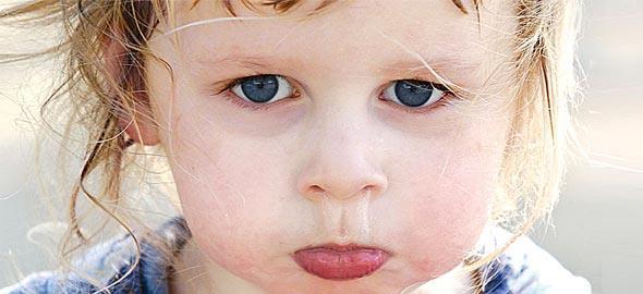 Οι 5 φράσεις που θα σταματήσουν τη γκρίνια ακόμα και των πιο «δύσκολων» παιδιών