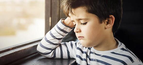 Ο γιος μου είπε μια μέρα στο σχολείο ότι θέλει να πεθάνει. Πώς να τον προσεγγίσω για να μου πει τι του συμβαίνει;